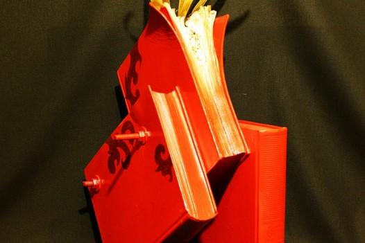 Titolo: N° 110616    libri, acciaio, bronzo  cm. 35x21x54